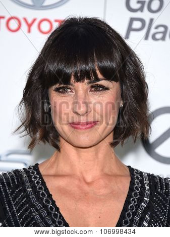 LOS ANGELES - OCT 24:  Constance Zimmer arrives to the 25th Annual Environmental Media Awards on October 24, 2015 in Hollywood, CA.