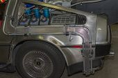 Постер, плакат: Replica Of The Back To The Future Delorean