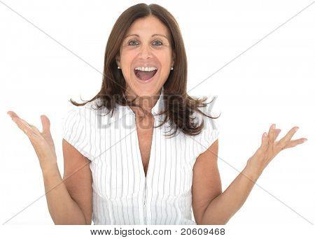 Porträt von eine attraktive senior geschäftsfrau mit ihren Armen wuchs in Feier