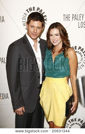 BEVERLY HILLS - MAR 13:  Jensen Ackles, wife Danneel Harris arriving at the Paleyfest 2011 event honoring Supernatural in Beverly Hills, CA on March 13, 2011.