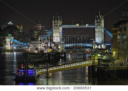 Upper Pool Of London, River Thames, England, Uk, Europe, At Night