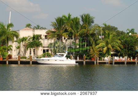 Luxury Florida Neighborhood