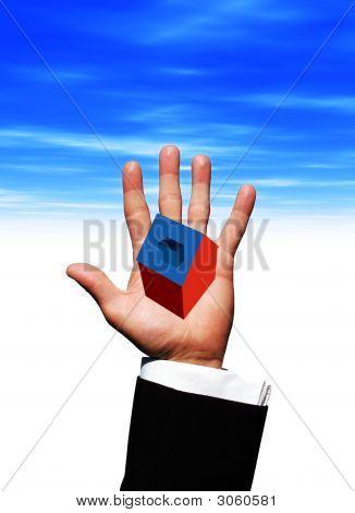 Casa en la mano