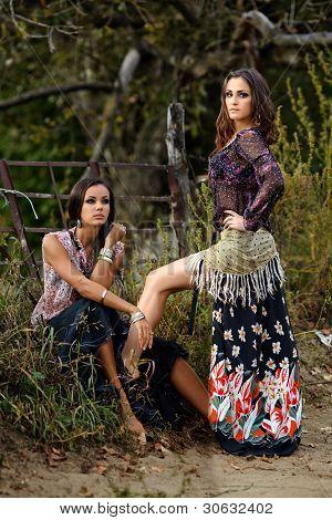 Portrait von zwei schöne Mädchen Zigeuner