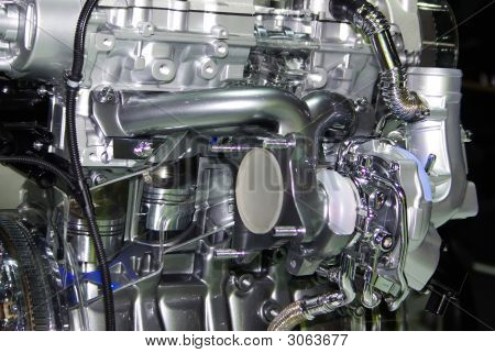 Engine Of Internal Combustion.