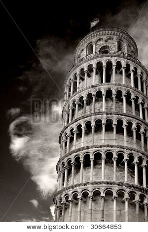 tilted tower of pisa