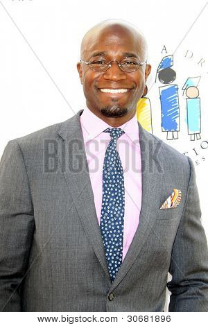 LOS ANGELES - MAR 4:  Taye Diggs arrives at the  Have A Dream Foundation's 14th Annual Dreamers Brunch at the Skirball Cultural Center on March 4, 2012 in Los Angeles, CA