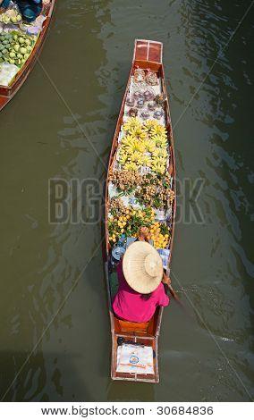 Damnoen Saduak floating market in Ratchaburi near Bangkok, Thailand