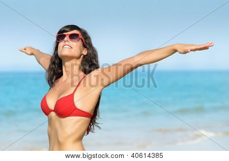 Freedom And Enjoying Beach Summer Vacations