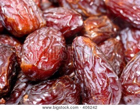 fresh date fruit. fresh dates fruit