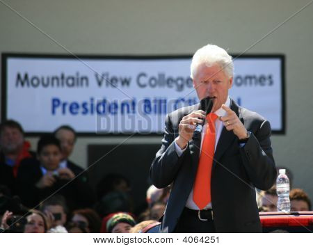 Dallas College Welcomes Bill Clinton