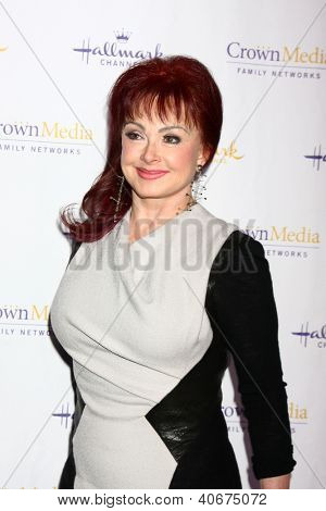LOS ANGELES - JAN 4:  Naomi Judd arrives at the Hallmark Channel 2013 Winter TCA Party. at Huntington Library & Gardens on January 4, 2013 in San Marino, CA