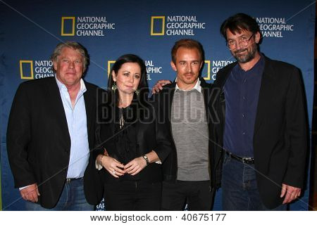 LOS ANGELES - JAN 3:  Graham Beckel, Geraldine Hughes, Jesse Johnson and Billy Campbell arrives at the National Geographic