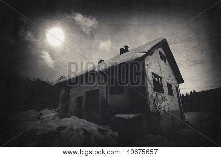 Moon Over The Spooky House