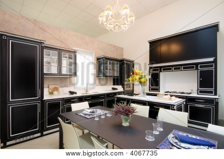 Luxuriöse Küche im showroom