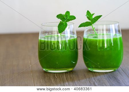Healthy Wheat Grass Juice