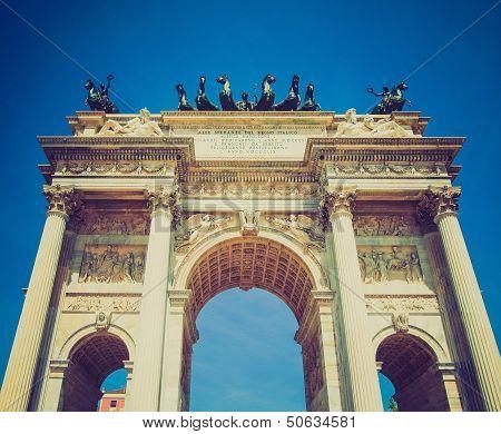 Retro Look Arco Della Pace, Milan