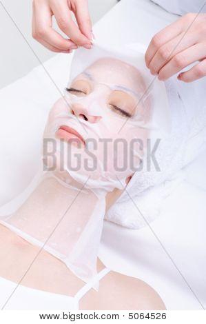 Moisturizing Cosmetic Mask