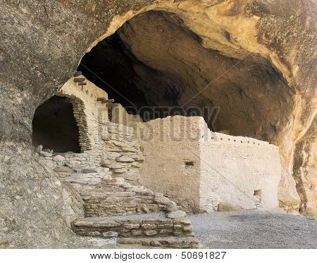 A Cave 3 Scene At The Gila Cliff Dwellings