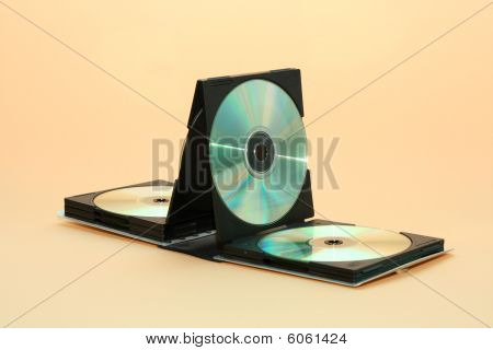 Box for compact discs