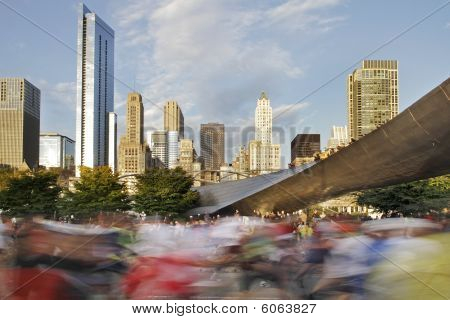 Beginning Of 2009 Chicago Marathon With Blurred Runners