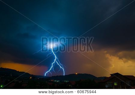 Inverted Y Lightning