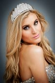 pic of pageant  - Woman wearing a tiara and ball gown - JPG
