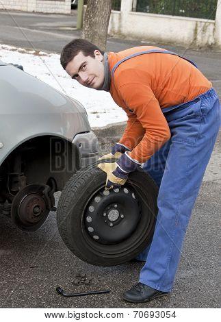 Tire Repairer And Car Flat