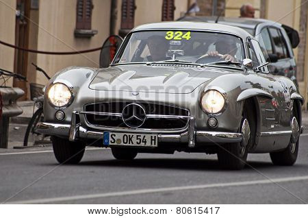 OLD CAR  Mercedes-Benz300 SL W 1981955 MILLE MIGLIA 2014
