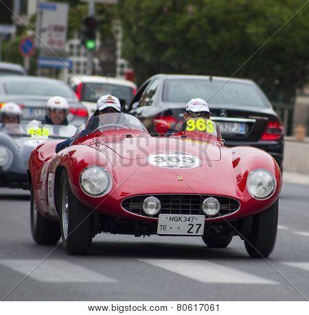OLD CAR Ferrari 750 Monza spider Scaglietti 1955 MILLE MIGLIA 2014