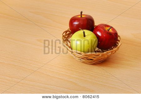 Mixed apple basket