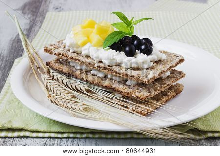 Rye Bread With Cottage Cheese