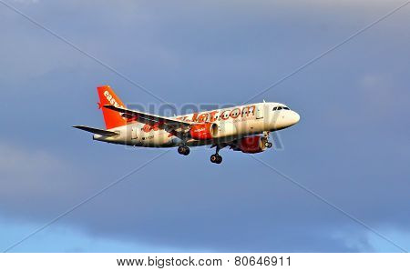 Easyjet Airline Airbus A319