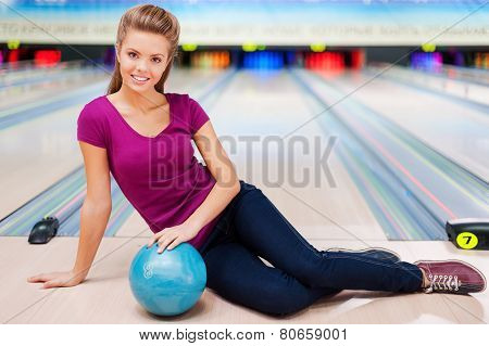 Beauty On The Bowling Alley.