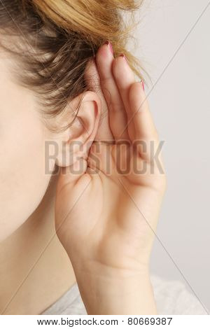 Listening gossiping