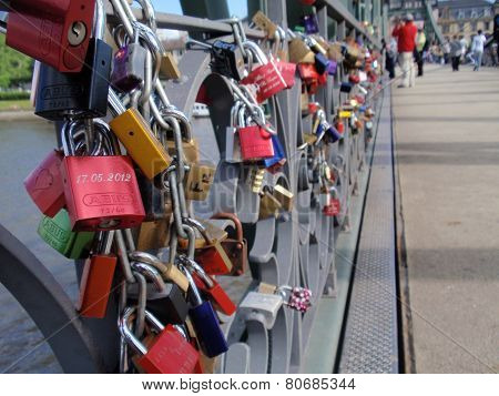 Frankfurt am Main - Love Padlocks Bridge