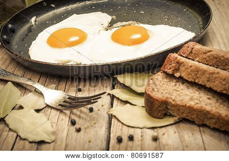 Fried egg on a cast iron pan