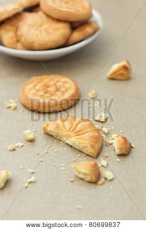 ?ookies And Crumbs