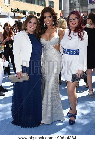 LOS ANGELES - APR 12:  Amber Portwood, Farrah Abraham & Catelynn Lowell arrives to the MTV Movie Awards 2015  on April 12, 2015 in Hollywood, CA