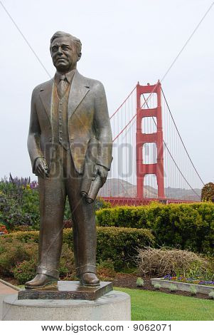 Statue of Joseph B. Strauss.  Backdrop of the Golden Gate Bridge.