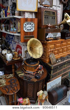 Vintage Objects Antiques Shop