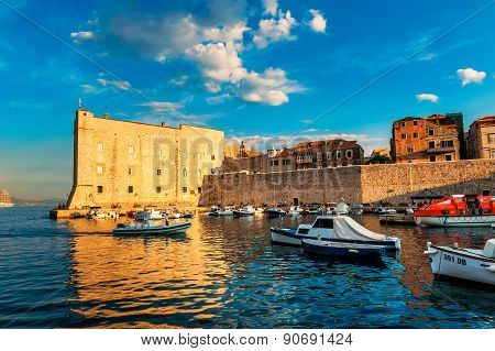 Dubrovnik, Croatia - August 28: Sunset Over The Bay In The Historic Center Of The Old City Of Dubrov