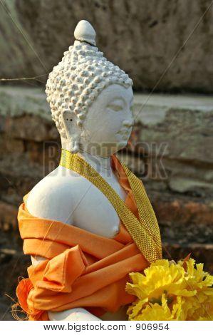 Wrappedbuddhasukhothaithailand