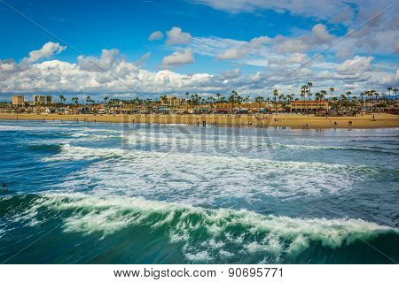Waves In The Pacific Ocean And View Of The Beach In Newport Beach, California