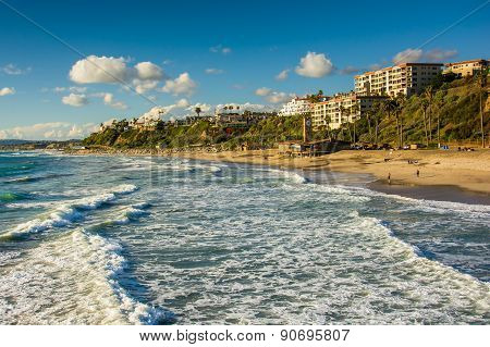 Waves In The Pacific Ocean And View Of The Beach In San Clemente, California.