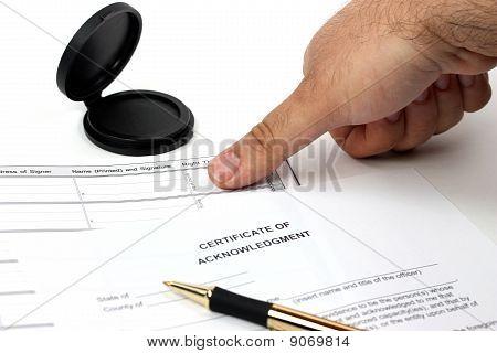 Conseguir la impresión del pulgar para registro oficial
