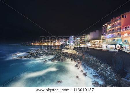 Scenic cityscape view of Puerto de la Cruz at night