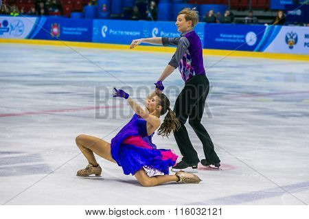 performance of young men and women in short program