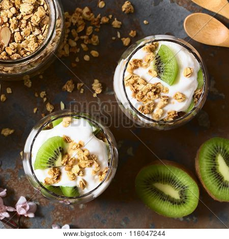 Yogurt Granola and Kiwi Parfait