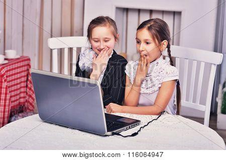 Beautiful Teens   Are Using Laptop